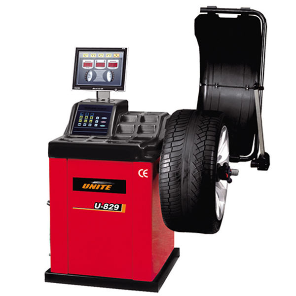 U-829 self-calibrating computer wheel balancer